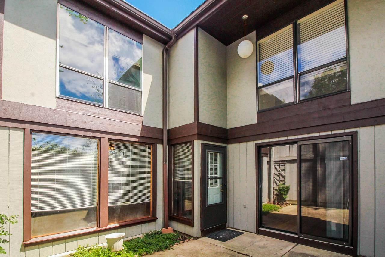 5430 Worthington Forest Place - Photo 1