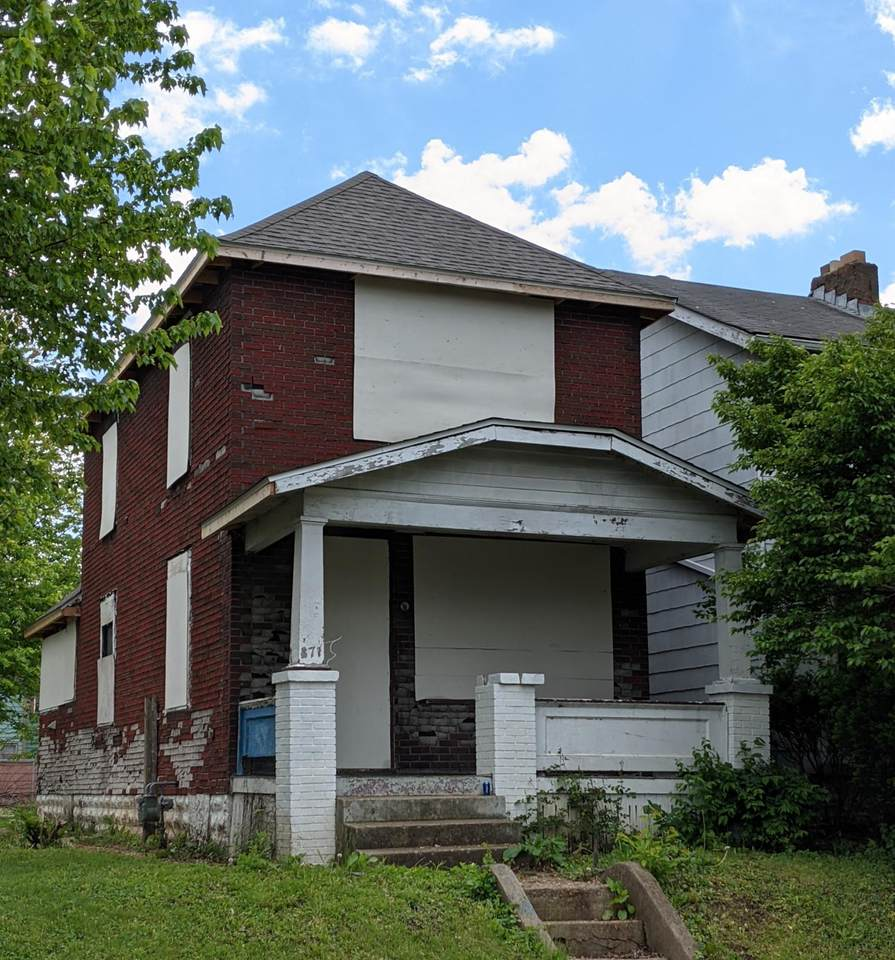 871 Campbell Avenue - Photo 1