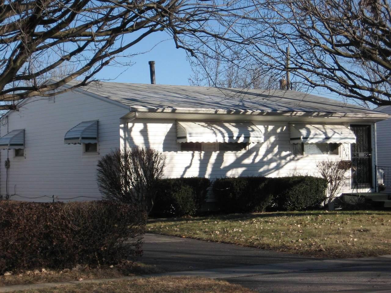 3036 Valleyview Drive - Photo 1