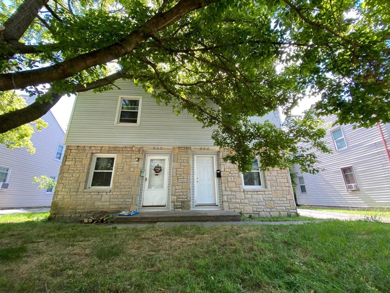 842-844 Harris Avenue - Photo 1