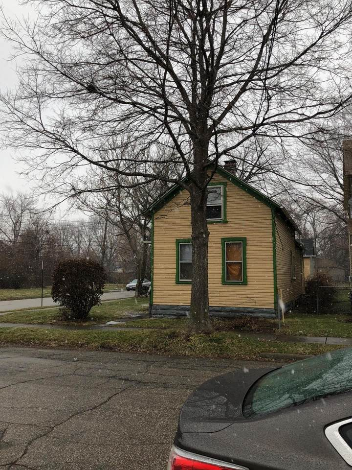 4507 Lester Street - Photo 1