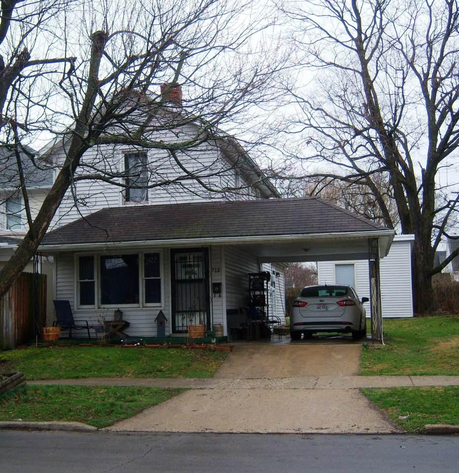 712 Maple Street - Photo 1