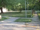 1161 Vinewood Drive - Photo 2