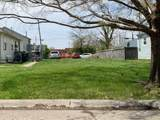 585 Dexter Avenue - Photo 4