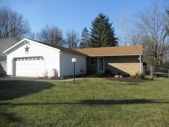 2110 Cherokee Drive, London, OH 43140 (MLS #218000037) :: Susanne Casey & Associates
