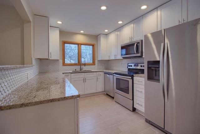 2333 N Star Road, Upper Arlington, OH 43221 (MLS #218000329) :: Julie & Company