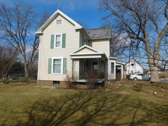 1412 E 5th Street, Marysville, OH 43040 (MLS #218003533) :: The Clark Group @ ERA Real Solutions Realty