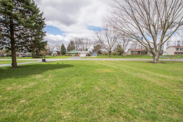 1135 W Choctaw Drive, London, OH 43140 (MLS #218012657) :: Berkshire Hathaway HomeServices Crager Tobin Real Estate