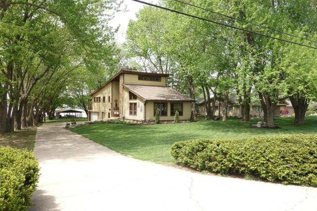 1730 E Choctaw Drive, London, OH 43140 (MLS #218016079) :: Berkshire Hathaway HomeServices Crager Tobin Real Estate