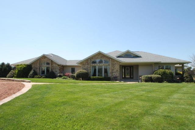 17977 Winchester Road, Ashville, OH 43103 (MLS #218017060) :: The Mike Laemmle Team Realty