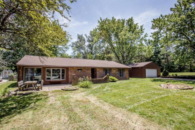 1045 E Choctaw Drive, London, OH 43140 (MLS #218025879) :: Berkshire Hathaway HomeServices Crager Tobin Real Estate