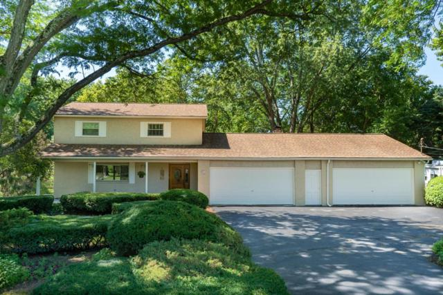 2987 Greenvale Drive, Columbus, OH 43235 (MLS #218026553) :: Susanne Casey & Associates