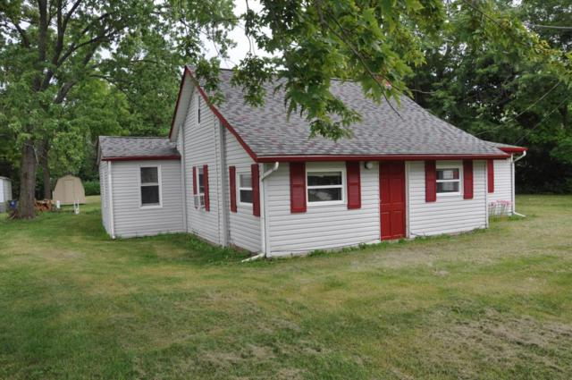9154 W Broad Street, Galloway, OH 43119 (MLS #218030055) :: The Mike Laemmle Team Realty