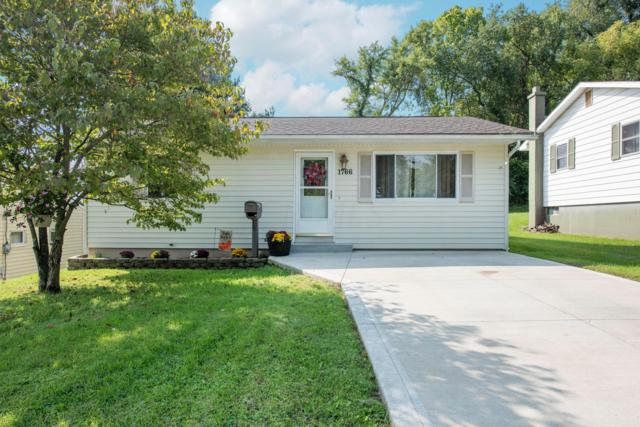 1766 W Walnut Street, Lancaster, OH 43130 (MLS #218035919) :: The Mike Laemmle Team Realty