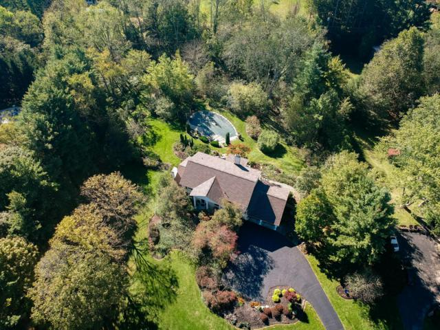 1405 Carriage Road, Powell, OH 43065 (MLS #218039419) :: The Clark Group @ ERA Real Solutions Realty
