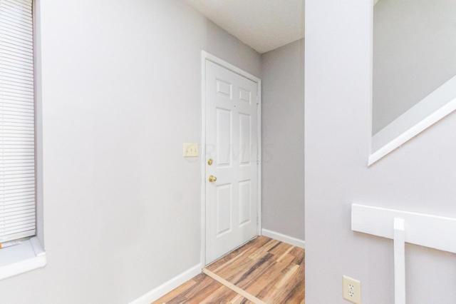 916 Pebble Lane Drive #35, Columbus, OH 43085 (MLS #218042279) :: Shannon Grimm & Partners