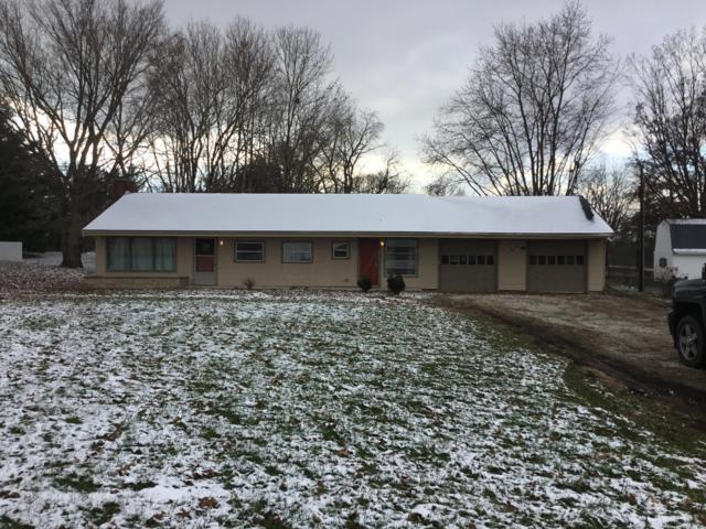 2445 N Court Street, Circleville, OH 43113 (MLS #218043183) :: The Mike Laemmle Team Realty