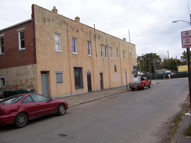 2445 W Broad Street, Columbus, OH 43204 (MLS #218043861) :: The Mike Laemmle Team Realty