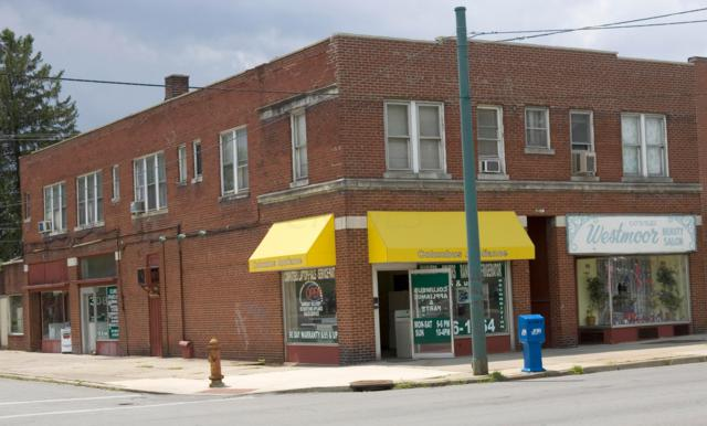 3085 W Broad Street, Columbus, OH 43204 (MLS #219008754) :: The Clark Group @ ERA Real Solutions Realty