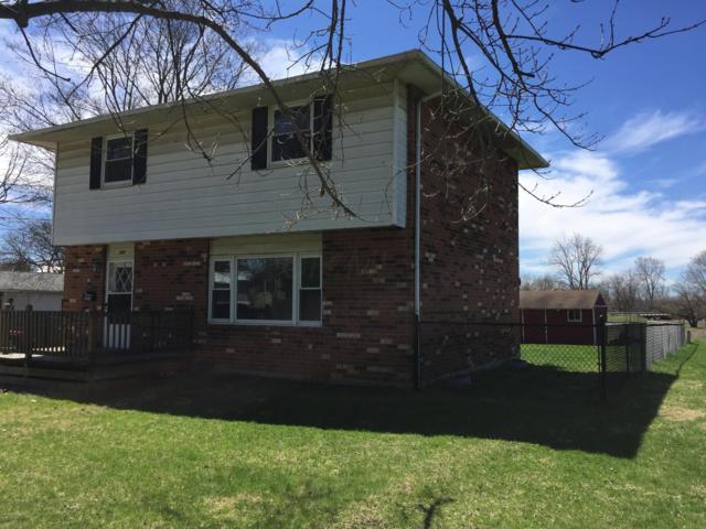 237 N Oak Street, London, OH 43140 (MLS #219011981) :: Berkshire Hathaway HomeServices Crager Tobin Real Estate