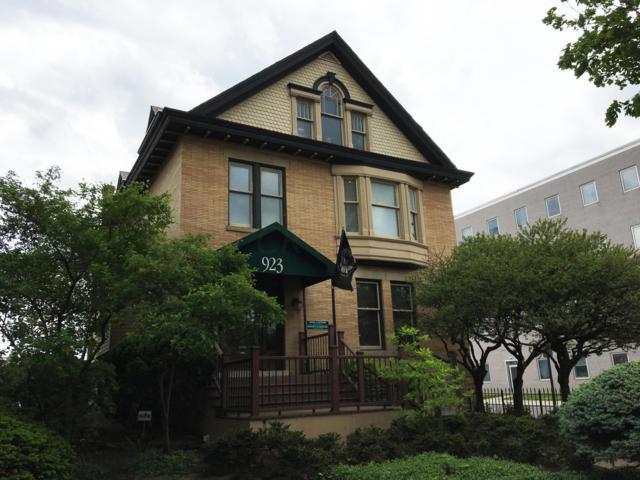 923 E Broad Street, Columbus, OH 43205 (MLS #219017612) :: Signature Real Estate