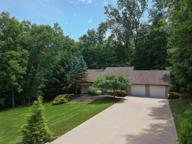 621 Floral Valley Drive W, Howard, OH 43028 (MLS #219025733) :: Signature Real Estate