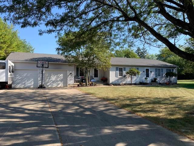 303 Cloverleaf Lane, Washington Court House, OH 43160 (MLS #219037099) :: Berkshire Hathaway HomeServices Crager Tobin Real Estate