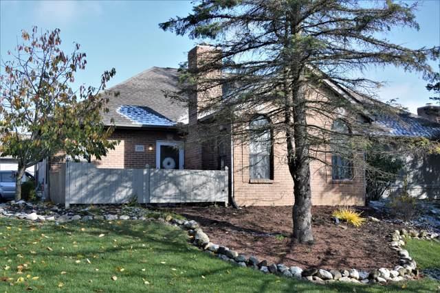 205 Pine Ridge Court, Bellefontaine, OH 43311 (MLS #219041457) :: Susanne Casey & Associates