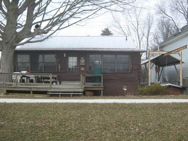 5001 N Bank Road, Buckeye Lake, OH 43008 (MLS #220004617) :: CARLETON REALTY