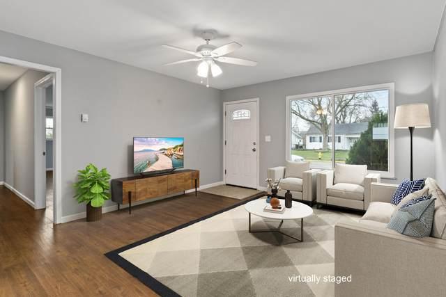 4746 Stiles Avenue, Columbus, OH 43228 (MLS #220010229) :: Signature Real Estate