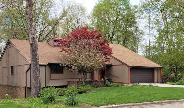 414 Village Drive, Columbus, OH 43214 (MLS #220013435) :: The Clark Group @ ERA Real Solutions Realty