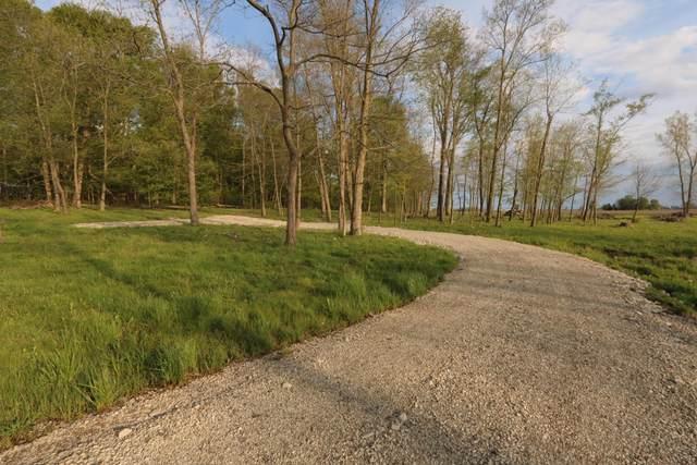 8100 Cattail Road NE, Pleasantville, OH 43148 (MLS #220014228) :: Susanne Casey & Associates