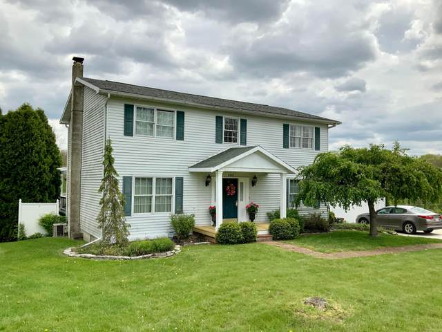 685 Mellwood Drive, New Lexington, OH 43764 (MLS #220015326) :: Susanne Casey & Associates