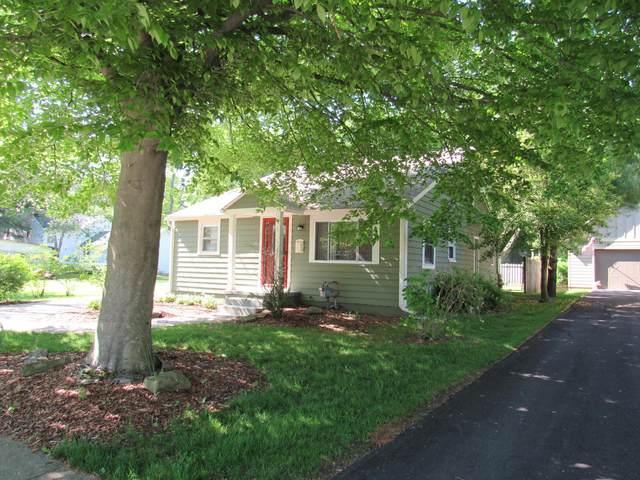 318 E Maple Street, Granville, OH 43023 (MLS #220017167) :: Sam Miller Team