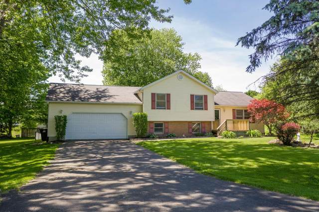 142 Crestline Road, Newark, OH 43056 (MLS #220017652) :: The Clark Group @ ERA Real Solutions Realty