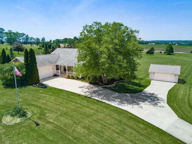 40 Louella Drive, Hebron, OH 43025 (MLS #220017675) :: The Clark Group @ ERA Real Solutions Realty