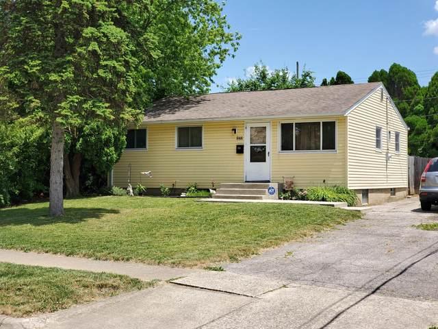 844 Harwood Drive, Columbus, OH 43228 (MLS #220018255) :: Susanne Casey & Associates