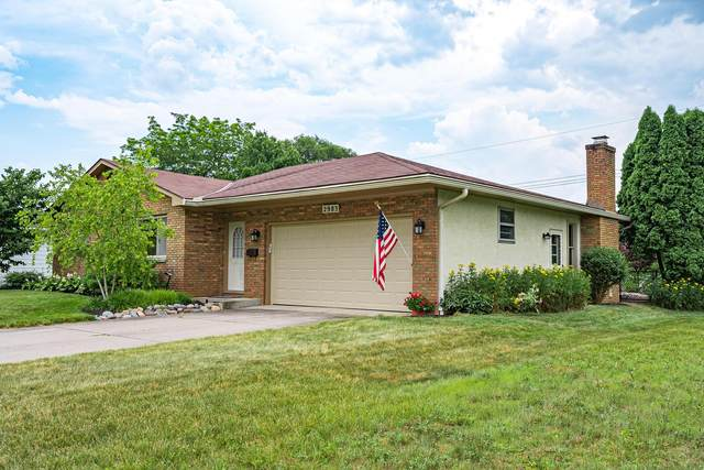 2983 Woodgrove Drive, Grove City, OH 43123 (MLS #220022505) :: The Clark Group @ ERA Real Solutions Realty