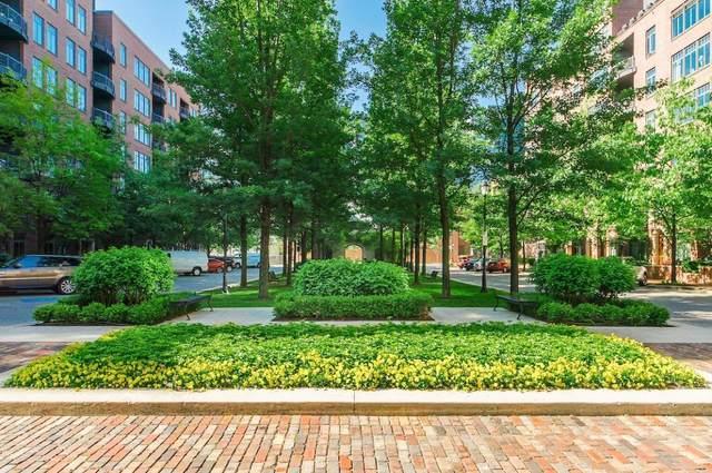 251 Daniel Burnham Square #302, Columbus, OH 43215 (MLS #220025567) :: Signature Real Estate
