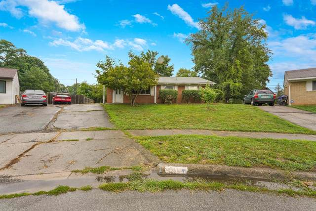 5060 Tremaine Court, Columbus, OH 43232 (MLS #220026069) :: The Clark Group @ ERA Real Solutions Realty