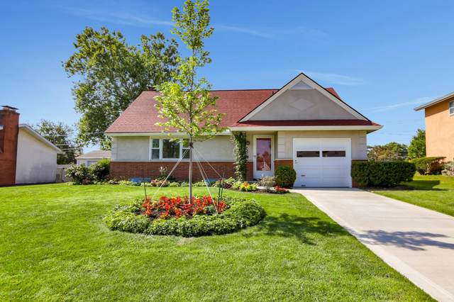 793 Island Court, Columbus, OH 43214 (MLS #220027050) :: The Clark Group @ ERA Real Solutions Realty