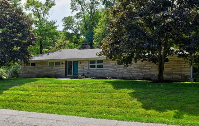 815 Golden Drive, Newark, OH 43055 (MLS #220029735) :: The Willcut Group