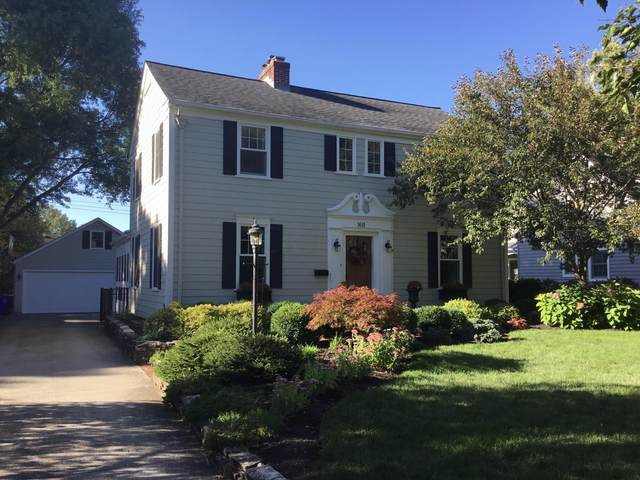 1611 Grenoble Road, Columbus, OH 43221 (MLS #220033128) :: Exp Realty