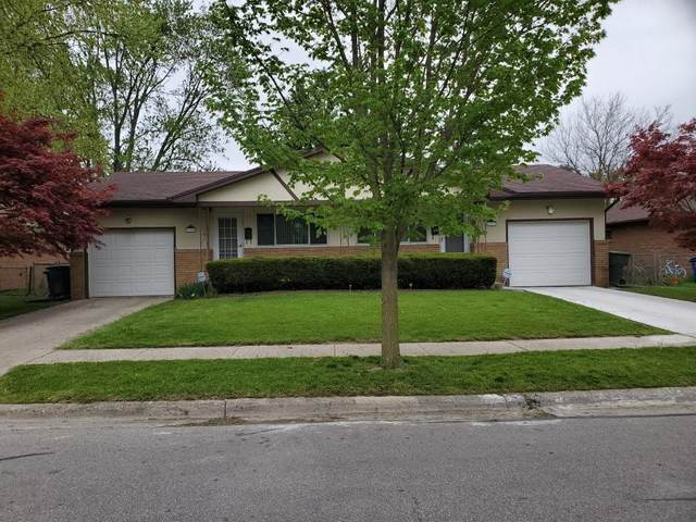4996-98 Kingshill Drive, Columbus, OH 43229 (MLS #220034125) :: The Jeff and Neal Team | Nth Degree Realty