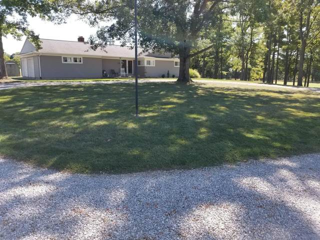 927 Stoutsville Pike, Circleville, OH 43113 (MLS #220034231) :: Shannon Grimm & Partners Team