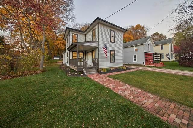 338 E Maple Street, Granville, OH 43023 (MLS #220037772) :: Susanne Casey & Associates