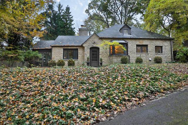 642 Overbrook Drive, Columbus, OH 43214 (MLS #220041940) :: Berkshire Hathaway HomeServices Crager Tobin Real Estate