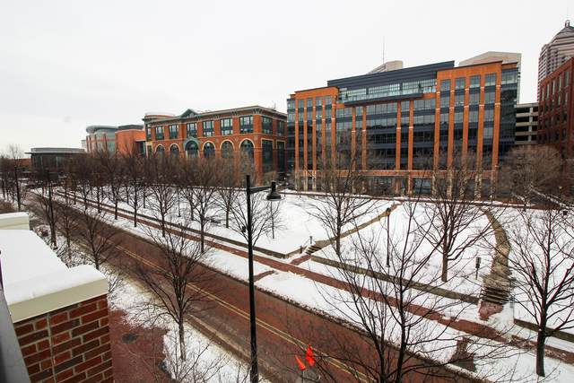 250 Daniel Burnham Square #303, Columbus, OH 43215 (MLS #221004633) :: 3 Degrees Realty