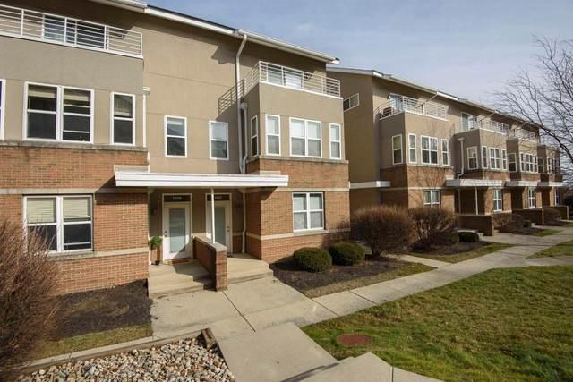 1409 Upper Green Circle, Columbus, OH 43212 (MLS #221004787) :: CARLETON REALTY