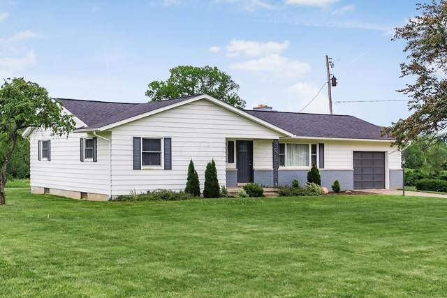 2545 Cincinnati-Zanesville Road SW, Lancaster, OH 43130 (MLS #221005859) :: Angel Oak Group